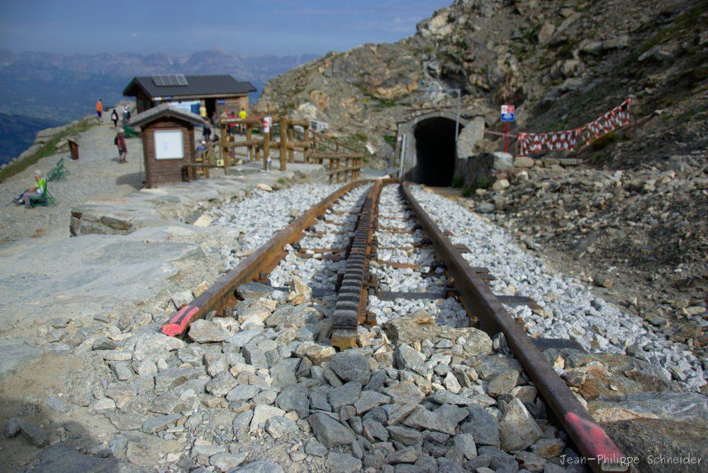 La fin de la route, train à crémaillère, refuge du Nid d'Aigle